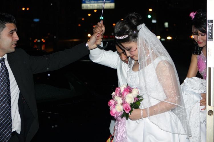 Beautiful bride by Sharif Mohammadi